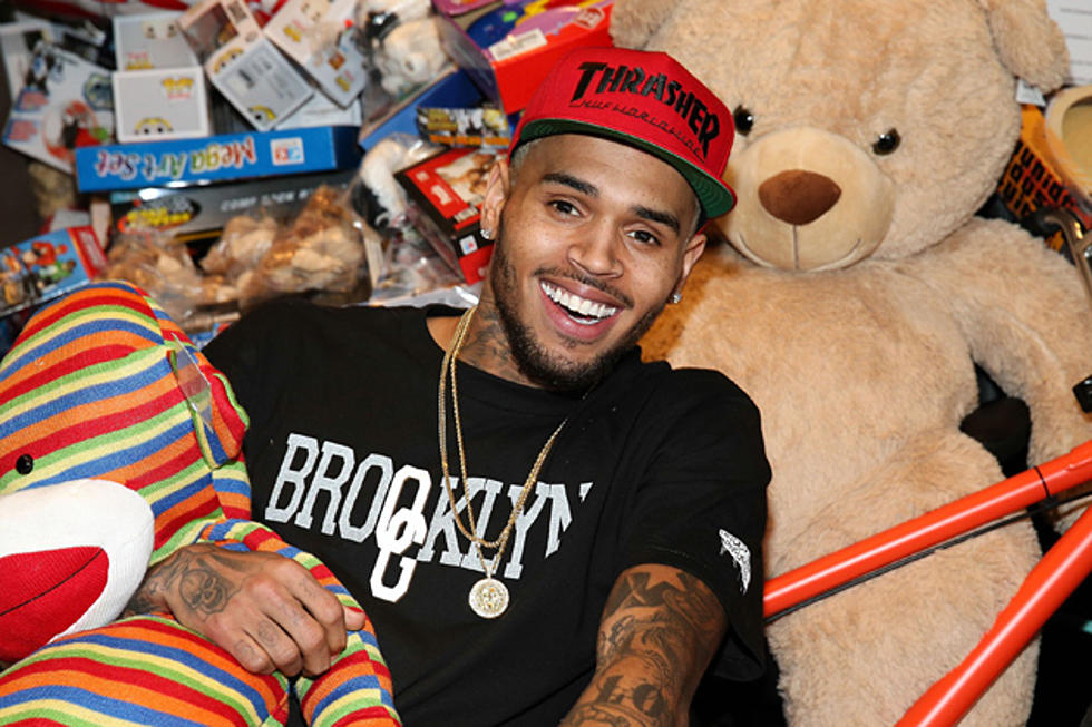 Chris Brown This Christmas.Chris Brown Leaves Rehab To Give Back At Christmas Toy Drive