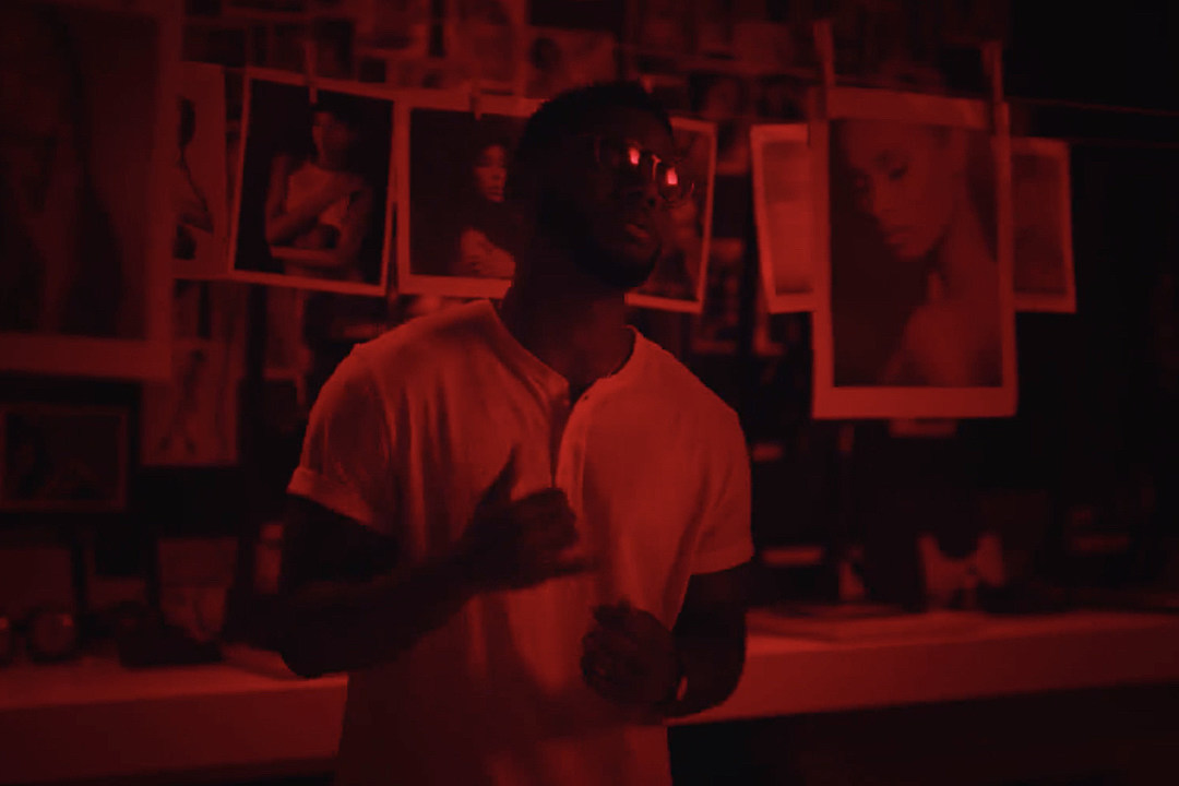 7dc54704 Bryson Tiller Is Photographing Gorgeous Babes in 'Somethin Tells Me' Video  [WATCH]