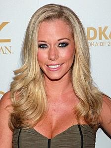 Hollywood Dirt: Kendra Is One Of The Worst Smelling