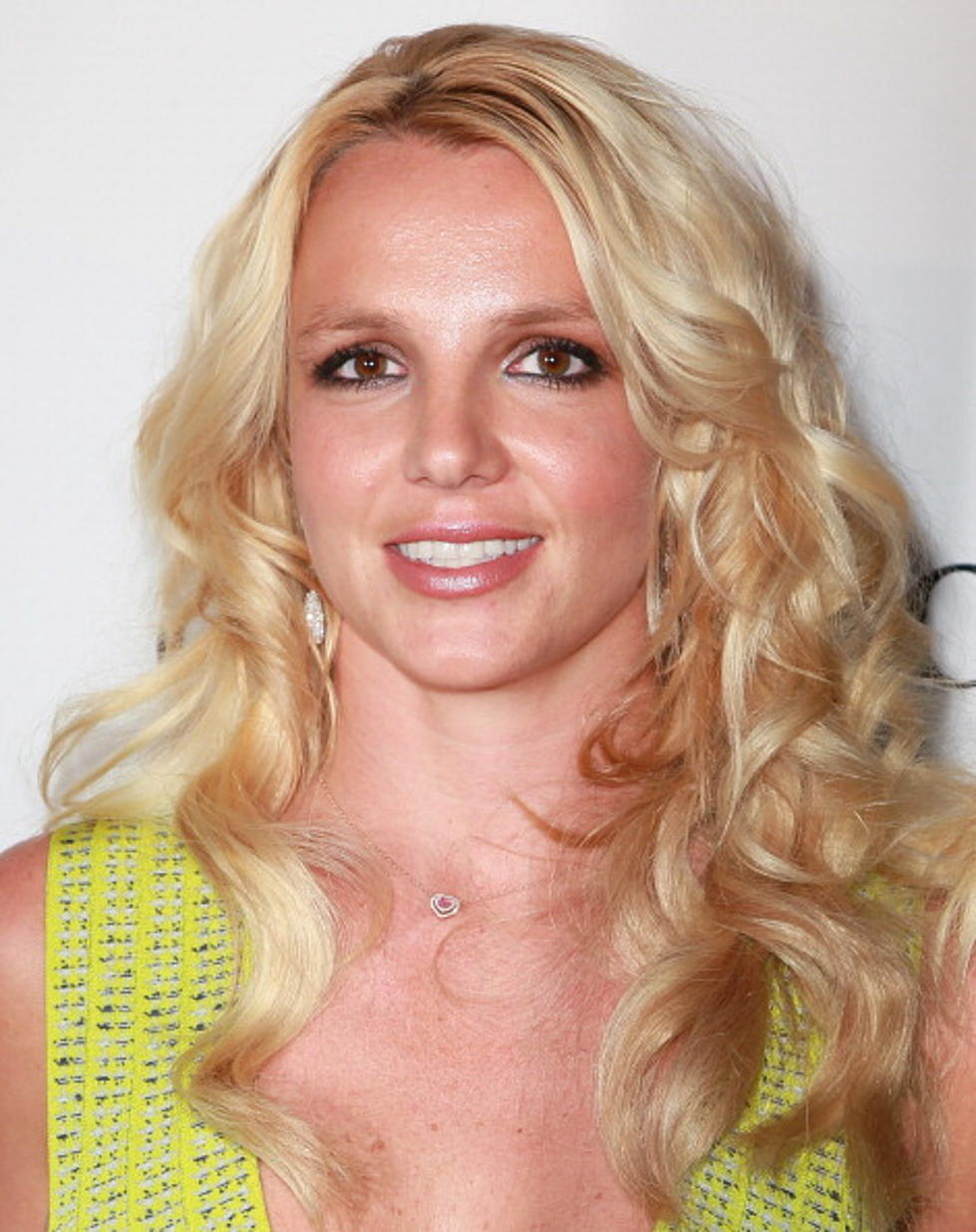 Alison Sweeney Oops hollywood dirt: britney spears exposes herself again while