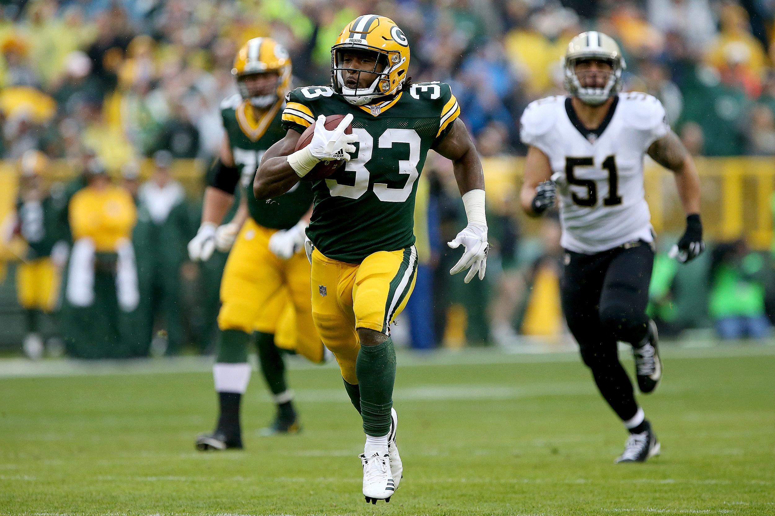 Green Bay Packers Aaron Jones Shows El Paso Love After Touchdown