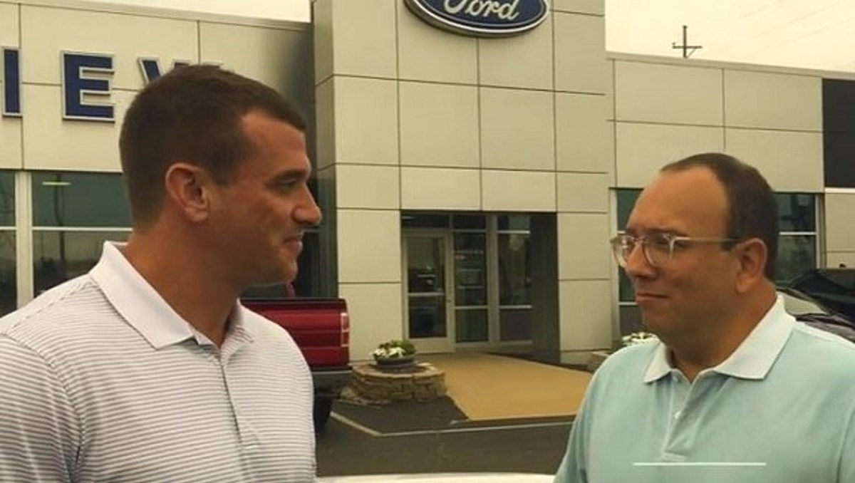 richard s ride extra meet sales manager mike barr at lakeview ford lincoln lakeview ford lincoln