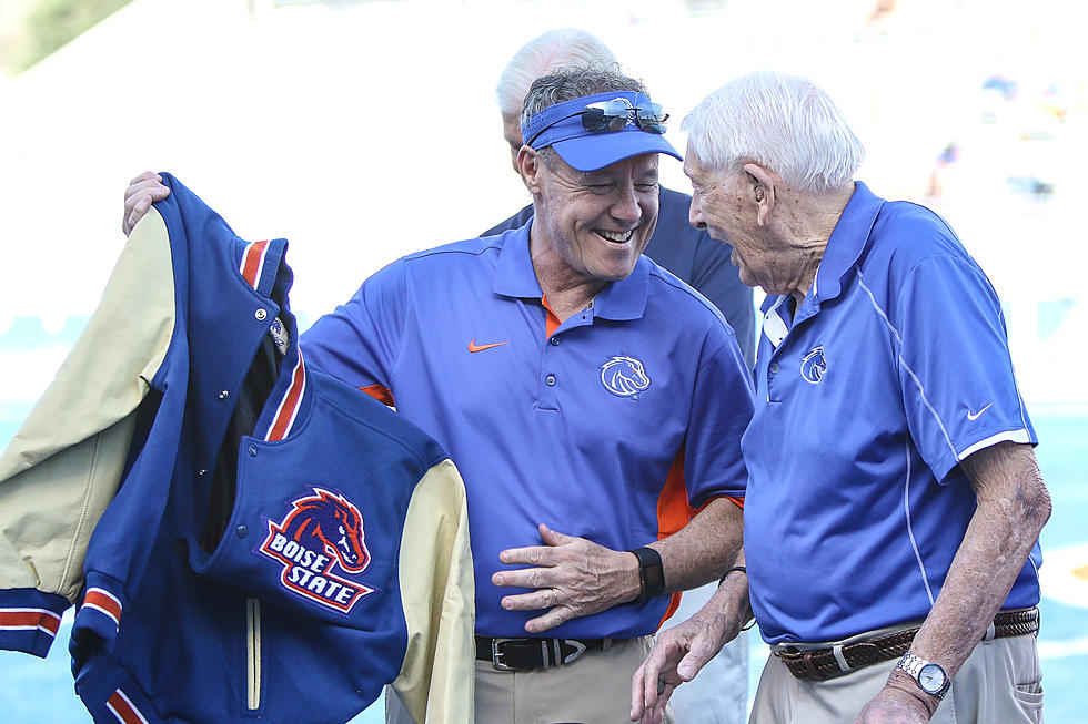 632d2bd7 Boise State Will Unvail a Statue to Honor Lyle Smith