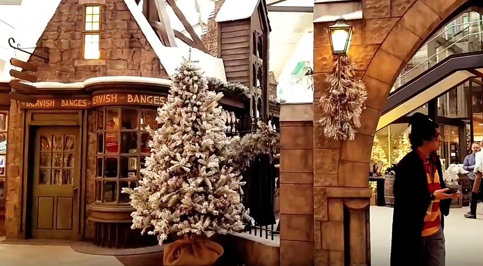 Harry Potter Christmas.New Harry Potter Christmas Village Opens In Neighboring Utah