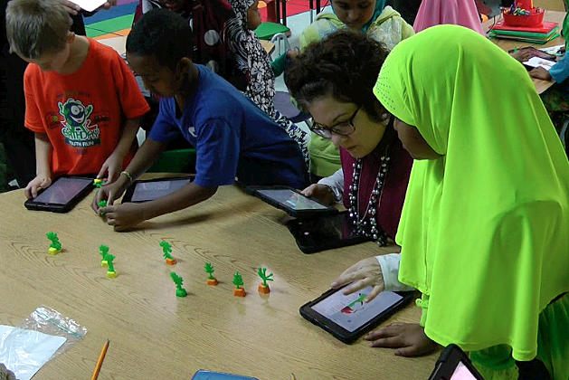 Talahi 2nd Graders Use iPads and 3D Printers for Class [VIDEO]