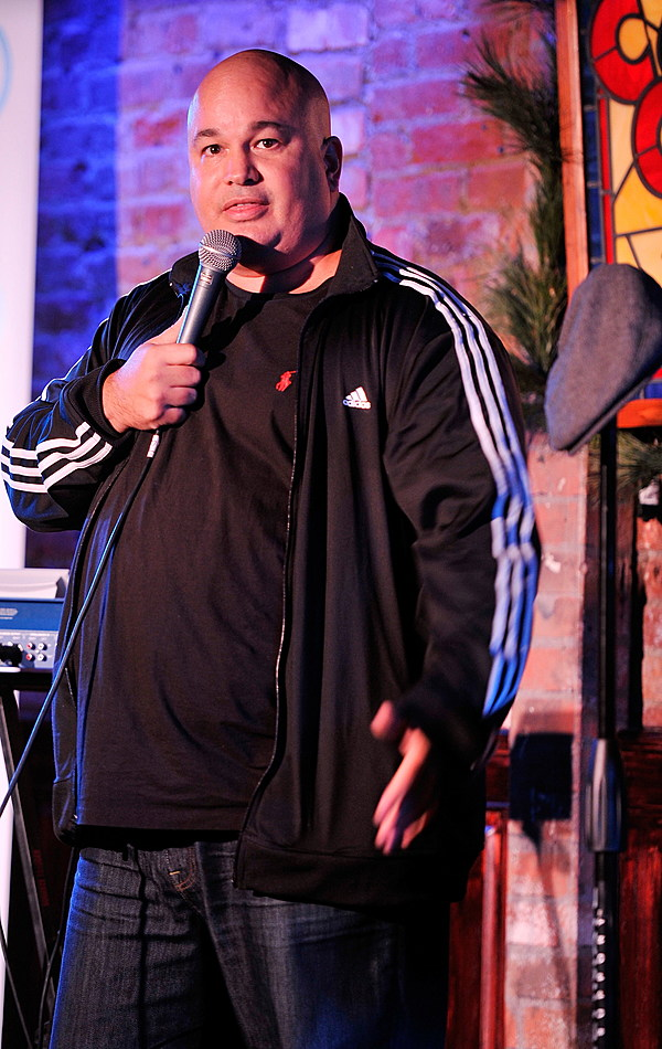comedian tom kelly proves - HD863×1024