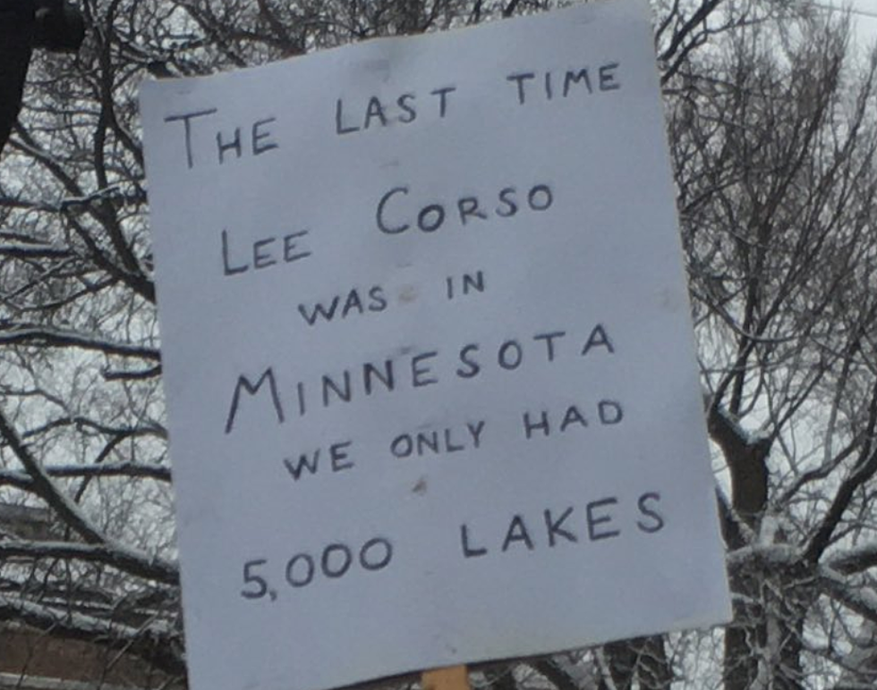 The Best Signs From College Gamedays Stop In Minnesota
