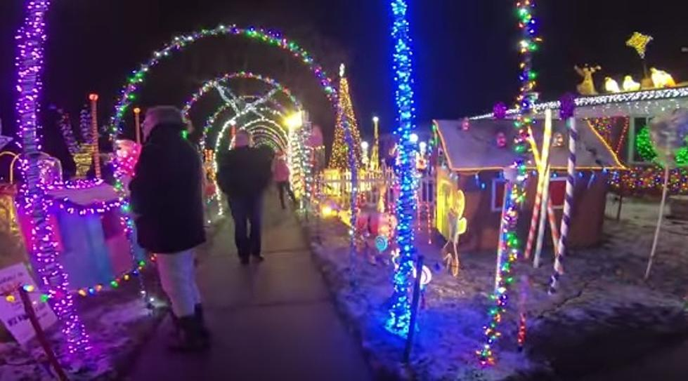 Eiffel Street Warren Mi Christmas Lights 2020 A HUGE Christmas Light Display In Michigan