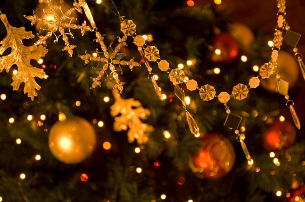 Bronners Christmas Ornaments.Bronner S Christmas Wonderland Is Hiring