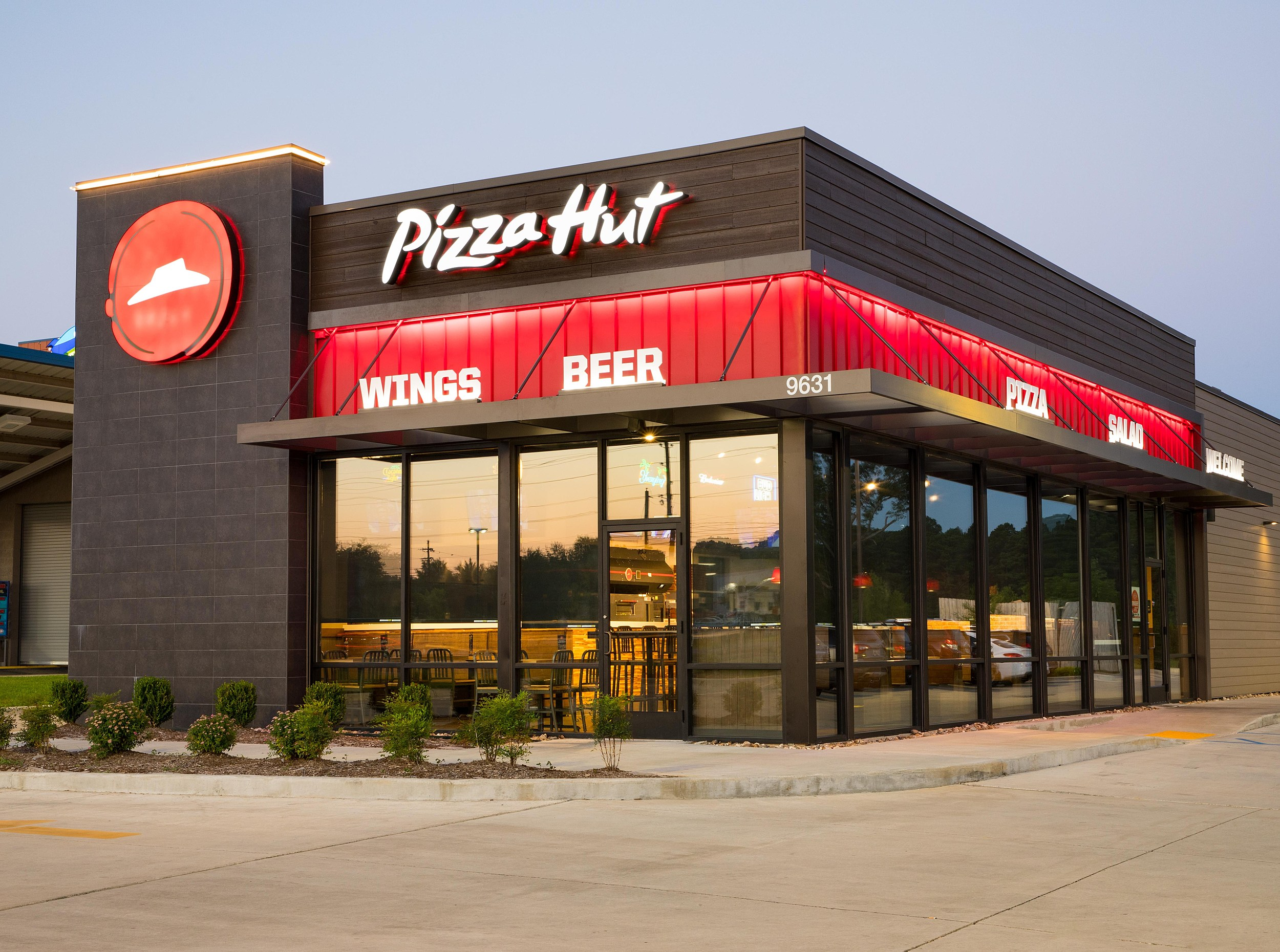 Pizza Hut Closing Hundreds Of Storeswill This Affect New