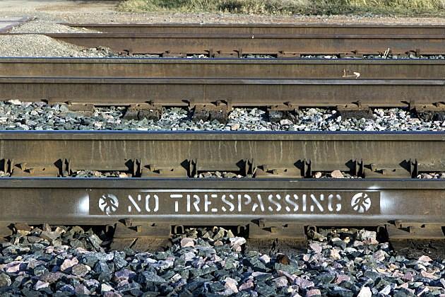 4 Reasons You Shouldn't Take Family Photos on Railroad Tracks