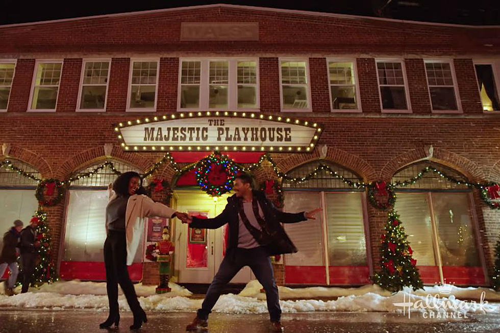 5 Things You'll See in Every Hallmark Channel Christmas Movie