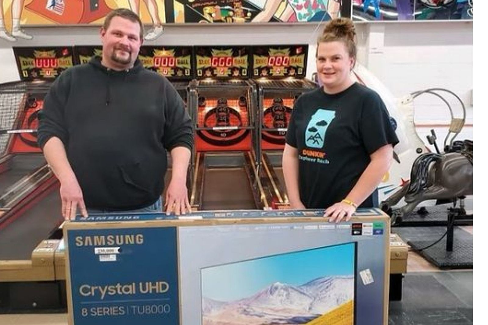 """New England Couple Redeems Redemption Game Tickets For 55"""" UHD TV"""