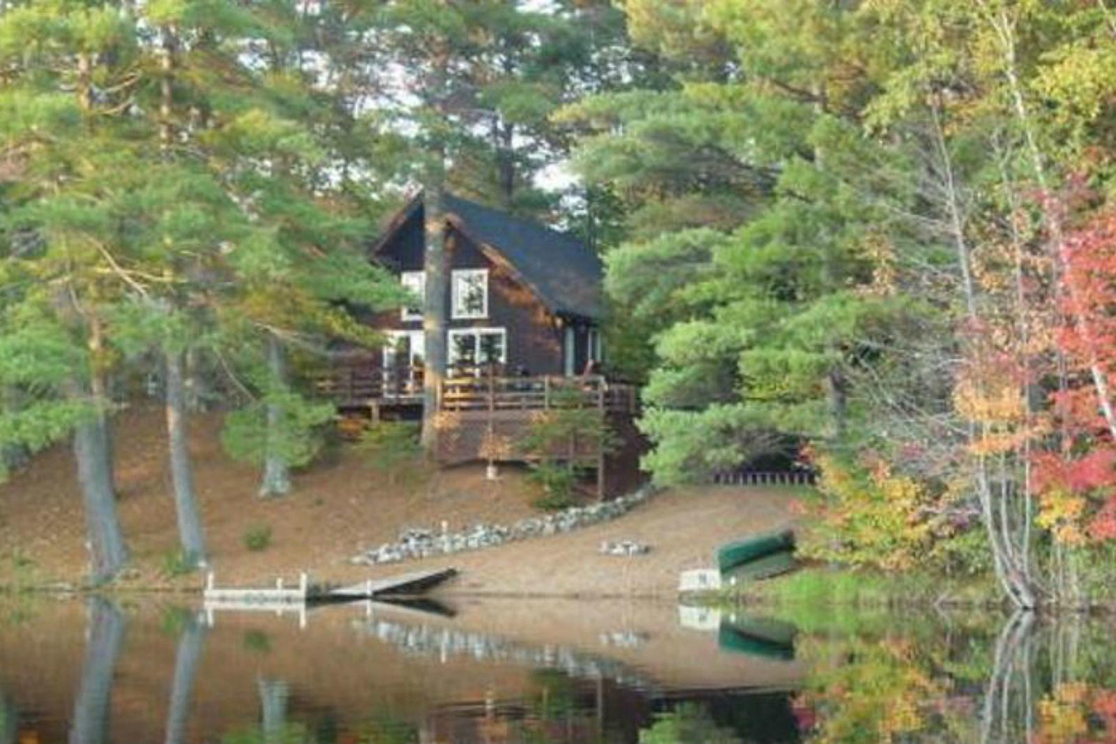 Brilliant Enjoy An Idyllic Maine Vacation At This Lake Arrowhead Download Free Architecture Designs Scobabritishbridgeorg