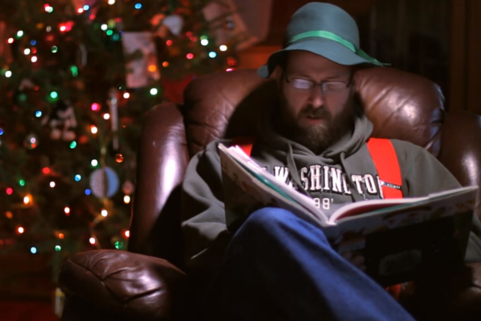 Hillbilly Christmas Photo.Watch Hillbilly Weatherman For The Holidaze Nsfw