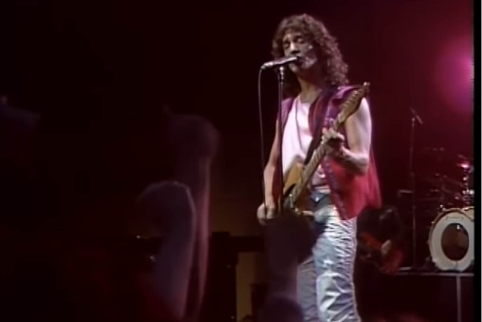 Blimp Time-Hop: Billy Squier Packs The CCCC In '83