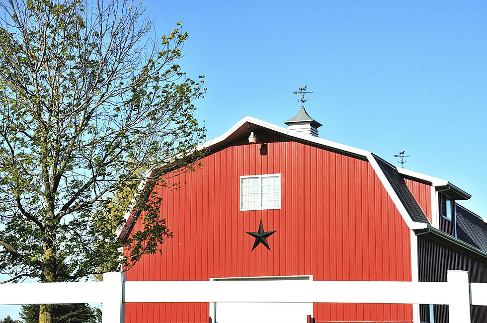 Here\'s What Five Point Stars On Maine Barns and Homes Stand For