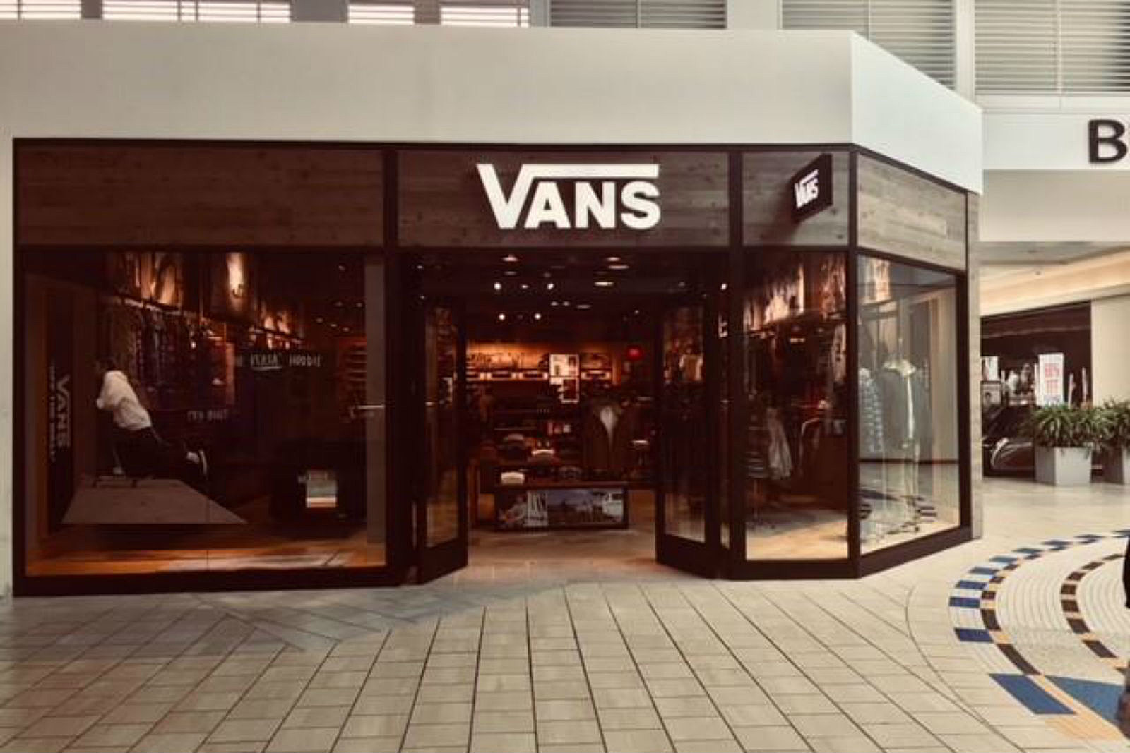 boutique vans
