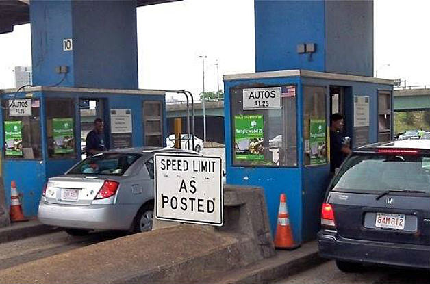 77 Yr Old Woman Injured After Spaulding Turnpike Tollbooth Crash