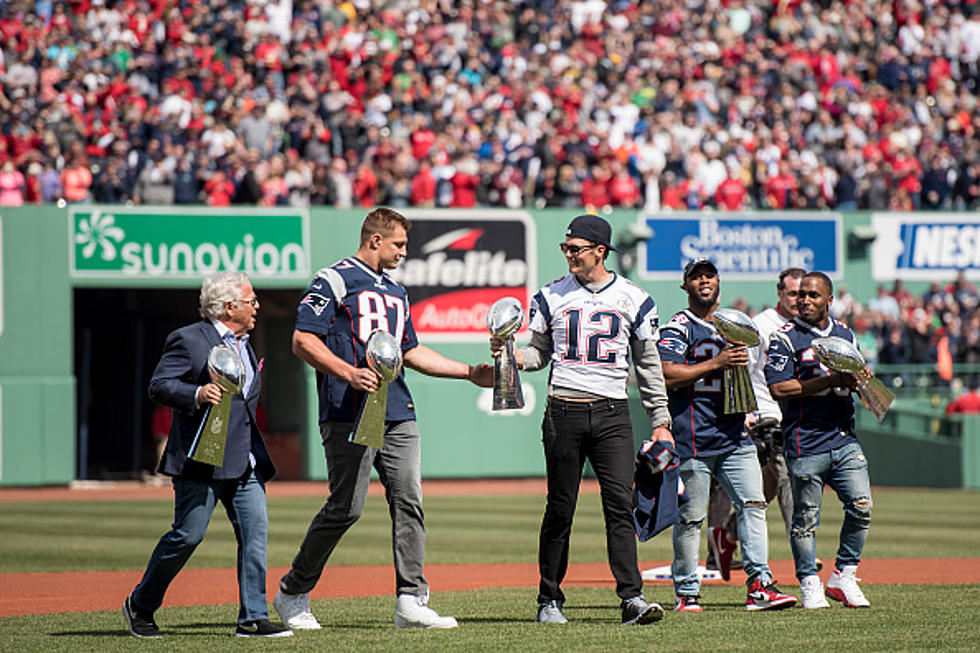 I Can T Get Enough Of This Video Of Tom Brady Gronk At Fenway