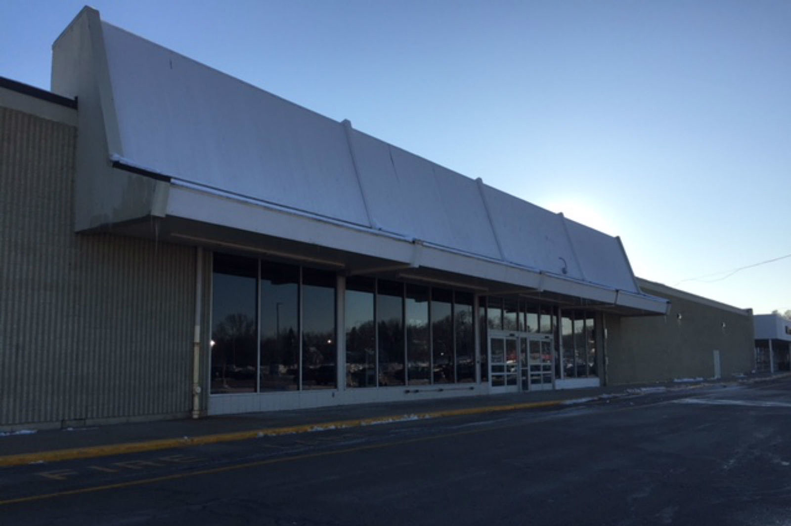 Portsmouth Nh Shopping >> Portsmouth Shopping Plaza To Get New Retail Store