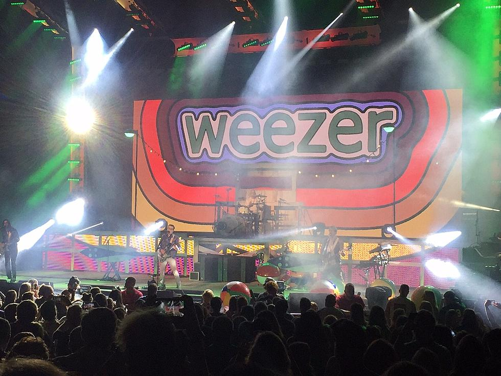 Weezer Doesn't Disappoint at PNC Bank Arts Center