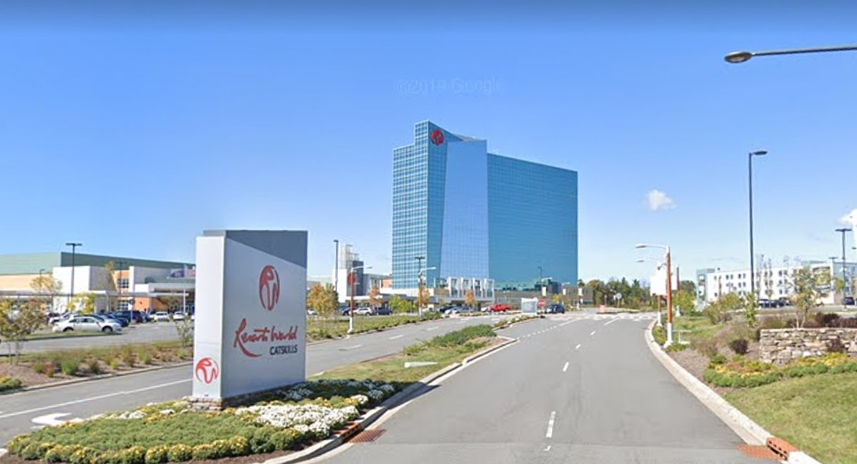 Resorts world casino layoff fall down 2 game tips