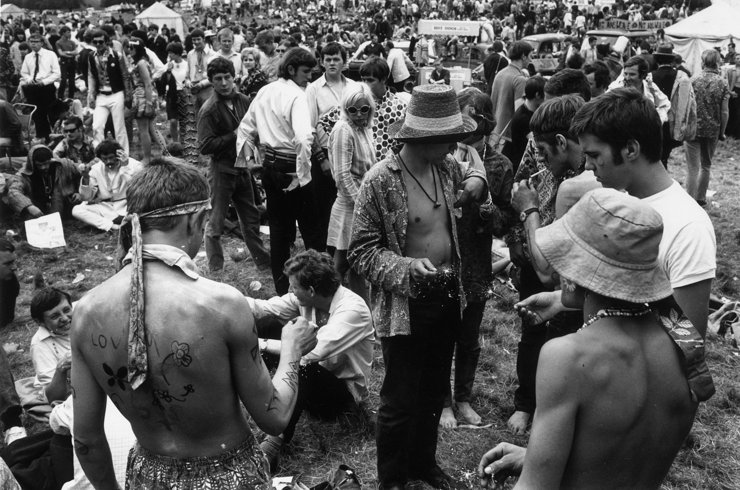 Unseen Behind The Scenes Photos Of Woodstock '94 in Saugerties