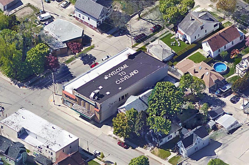 "Milwaukee Artist Writes ""Welcome to Cleveland"" on His Roof ..."