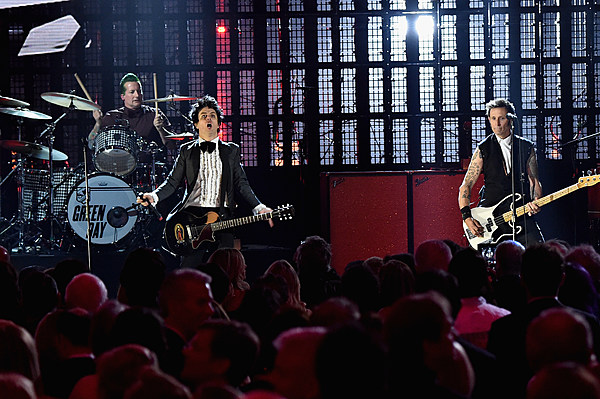 green day adds minnesota tour date for 2017. Black Bedroom Furniture Sets. Home Design Ideas