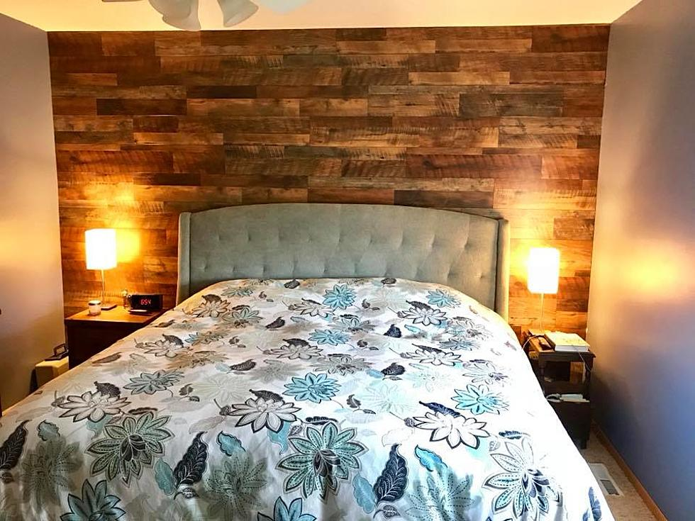 MN DIY: Reclaimed Barn Wood Master Bedroom Accent Wall