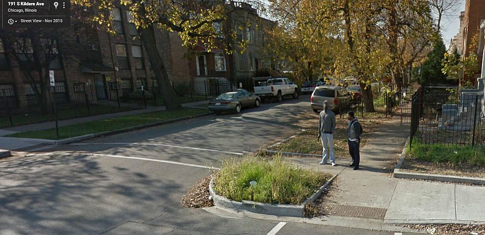 Is This Guy Holding a Gun in Chicago on Google Maps? [PHOTOS]