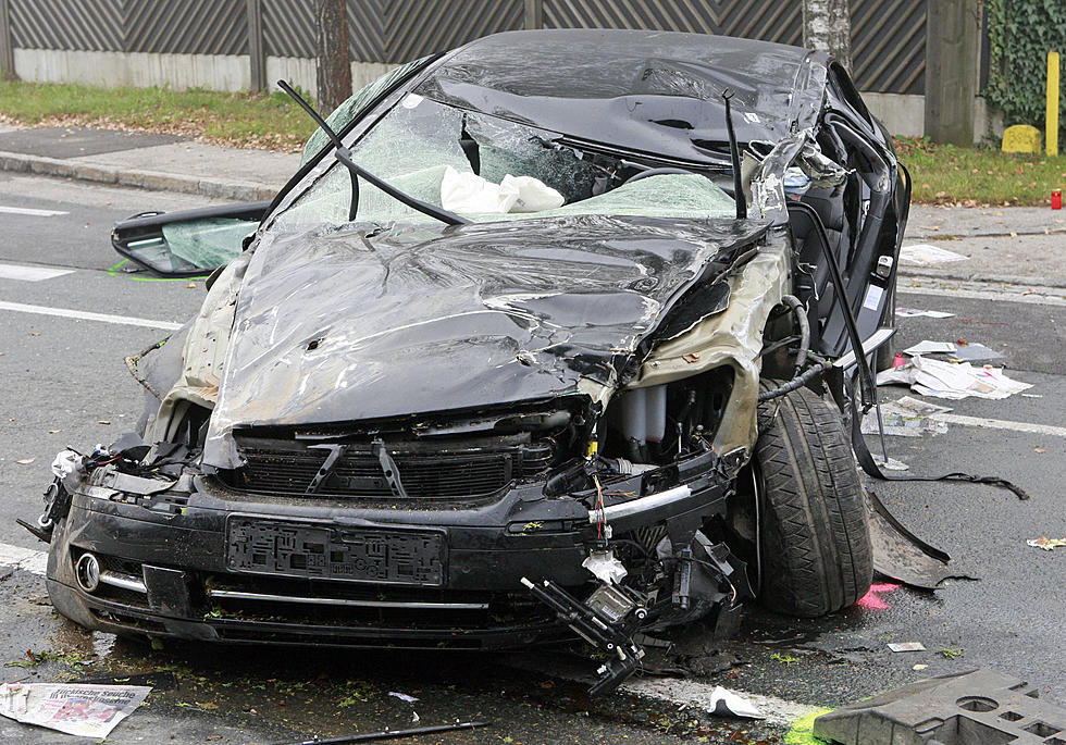 Debris On Illinois Roads Caused Over 9,000 Accidents