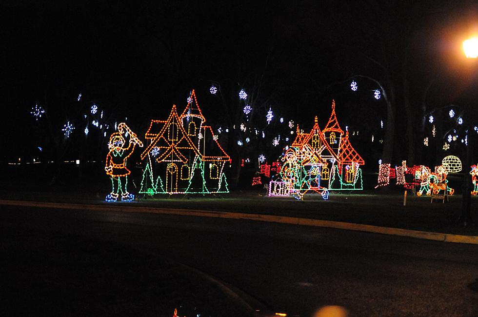 Drive Thru Christmas Lights.Largest Light Show In Illinois Is Less Than 2 Hours From