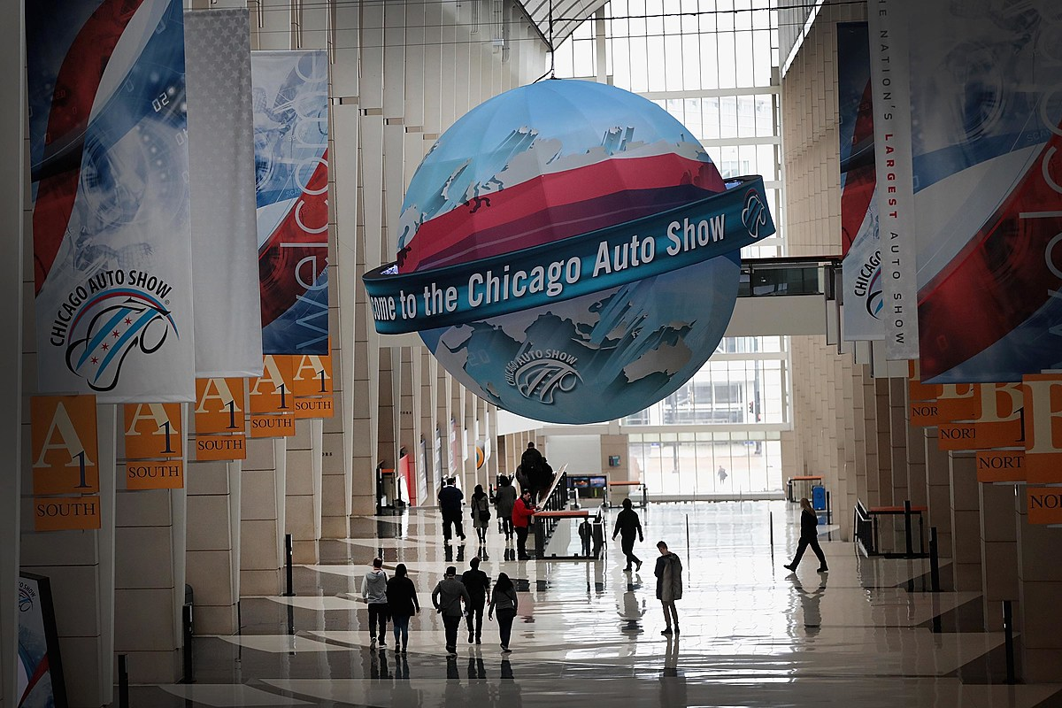 what time is the chicago auto show open until