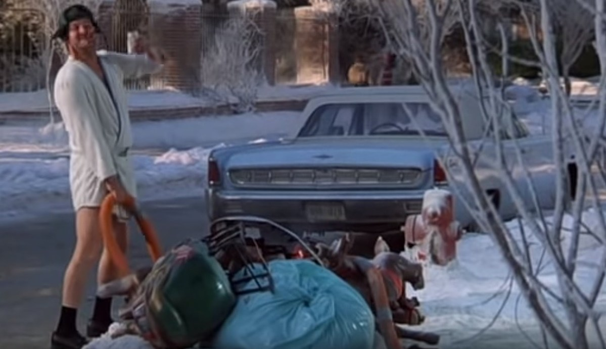 Christmas Vacation Rv.Another Display Pays Tribute To Christmas Vacation Movie