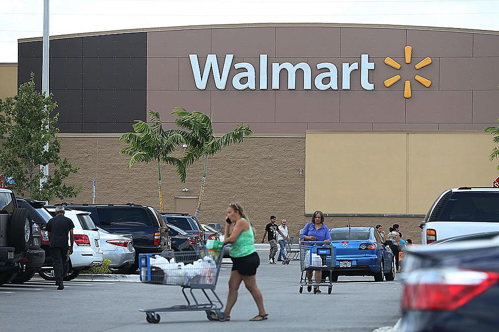 Bats Dive-Bomb Texas Walmart Customers