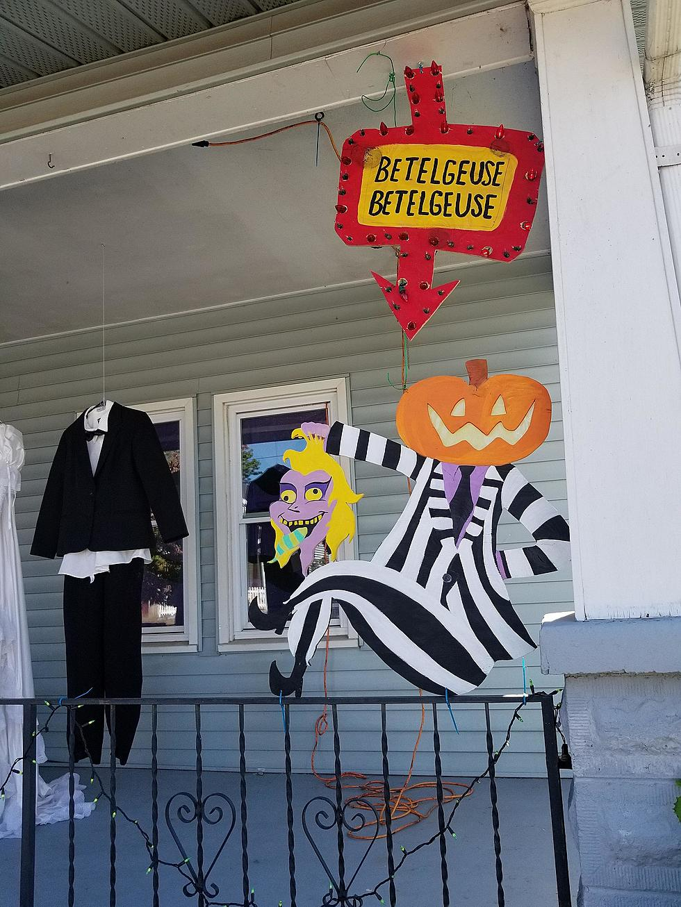Owensboro Family Goes Completely Beetlejuice For