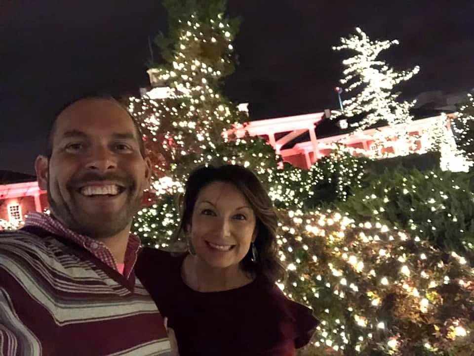 Christmas Getaway.Win A Country Christmas Getaway To Gaylord Extra Entry