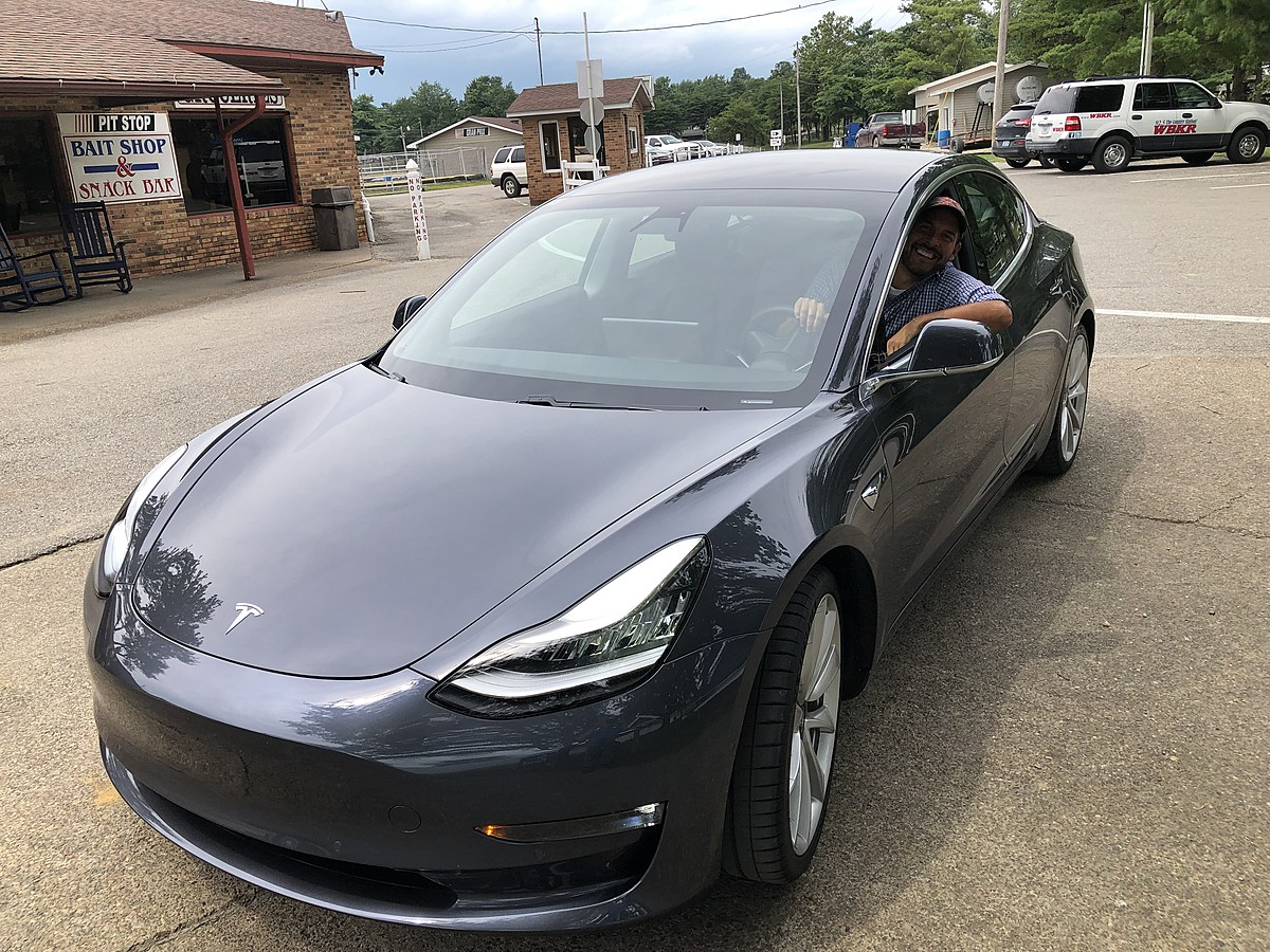 What It's Like to Ride in a Tesla When It Drives Itself ...