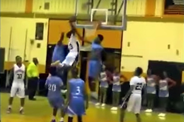 5-Foot-5 High Schooler Throws Down Dunk of the Century