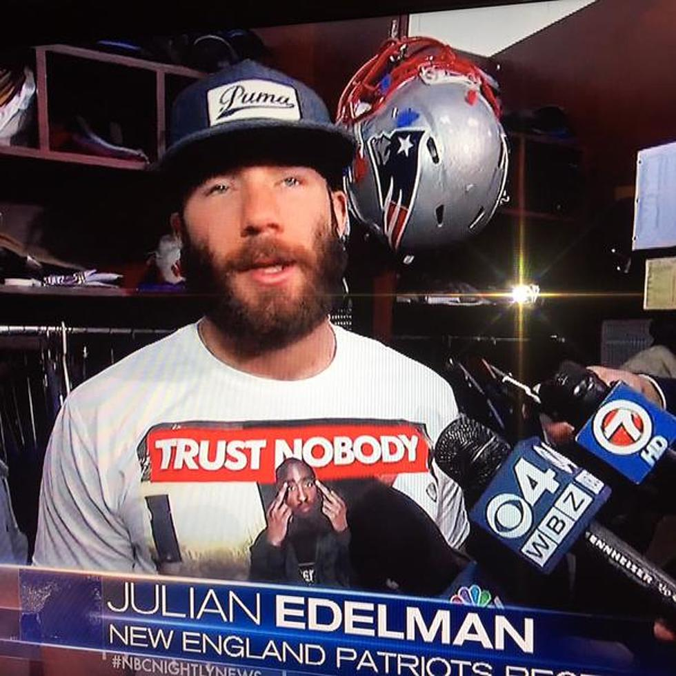 promo code 029bf feb9d New England Patriots' Julian Edelman Wears T-Shirt Of Tupac ...