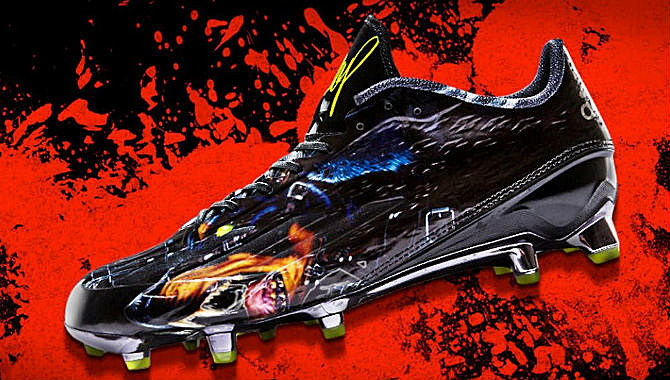 Star 4.0 Uncaged Football Cleat