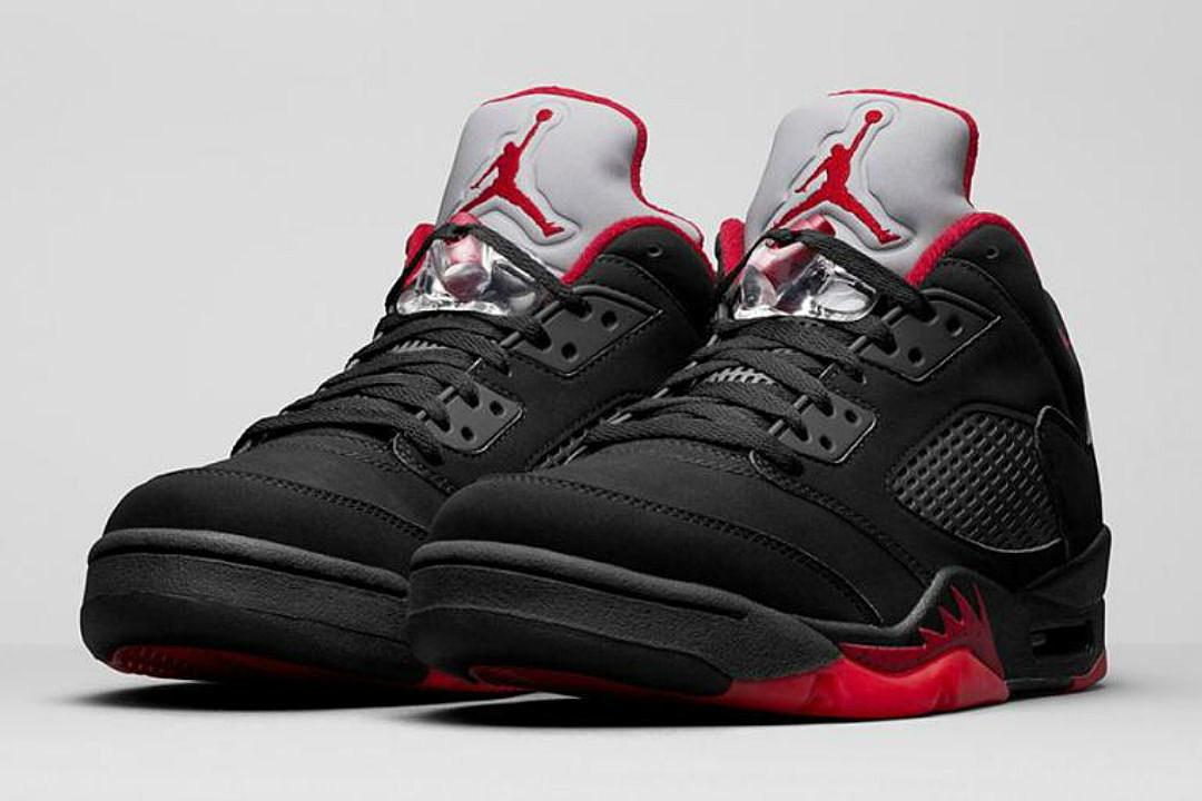 Foot Locker Restocking Air Jordan 1 Unc And Air Jordan 5 Low This