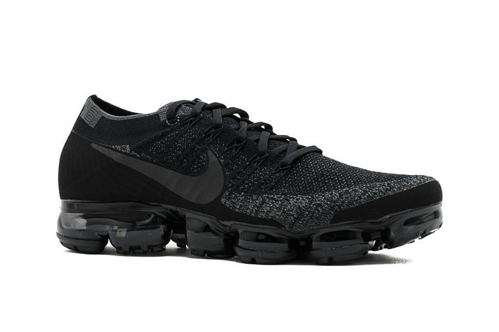 outlet store a09cc 77dbc Nike is Re-releasing the Air VaporMax in Triple Black - XXL