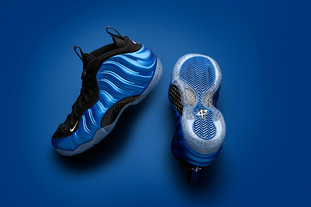 8b2bbce5f7c Nike Re-Releases Classic Air Foamposite Colorways - XXL