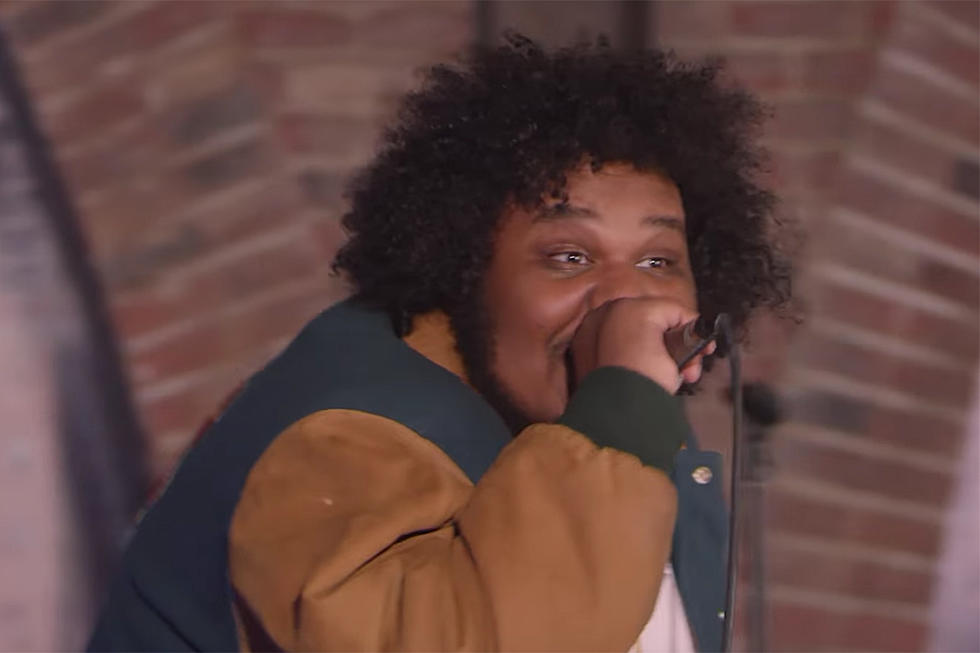 Michael Christmas.Michael Christmas Drops Girlfriend Video Signs To Fool S