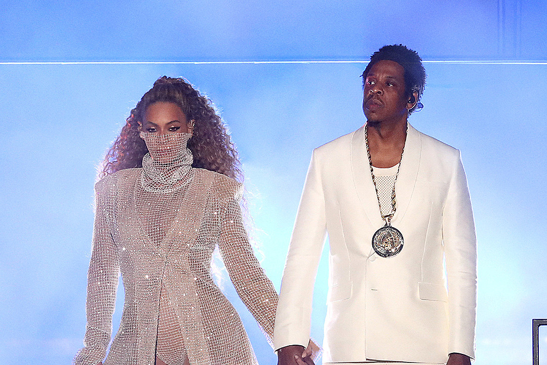 reputable site 7db9e 645f3 Beyonce Wears a Thong in Bed With Jay-Z in New Risque Photo