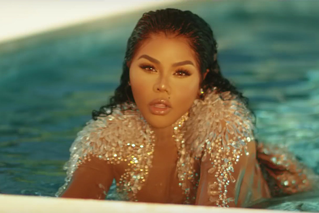 """Lil' Kim Shows Off Sexy Dance Moves in """"Nasty One"""" Video"""