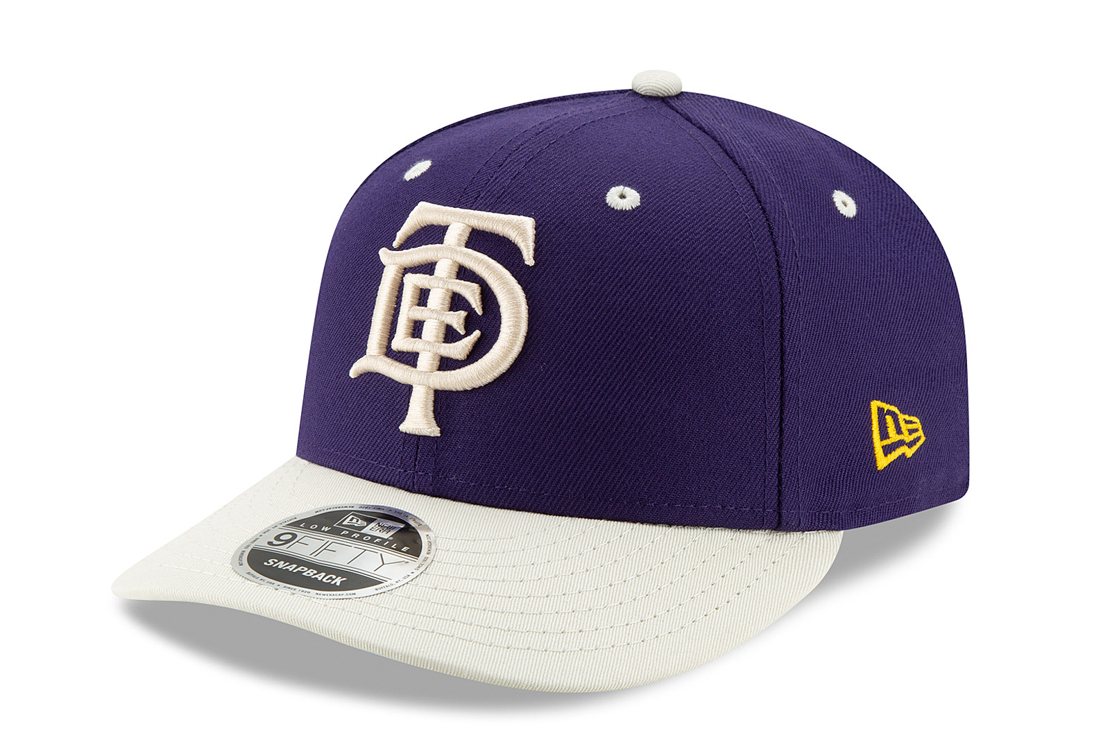 67dba6c25e4 TDE Teams Up With New Era for Los Angeles Lakers Collection - XXL